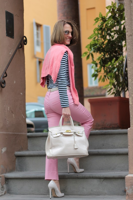 Margaret Dallospedale, Fashion blogger, Maggie Dallospedale Fashion diary, fashion tips, Lifestyle, Striped top and hot pink pants, 5