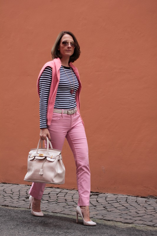 Margaret Dallospedale, Fashion blogger, Maggie Dallospedale Fashion diary, fashion tips, Lifestyle, Striped top and hot pink pants, 6