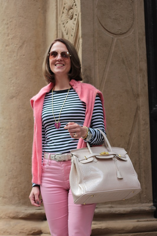 Margaret Dallospedale, Fashion blogger, Maggie Dallospedale Fashion diary, fashion tips, Lifestyle, Striped top and hot pink pants, 7