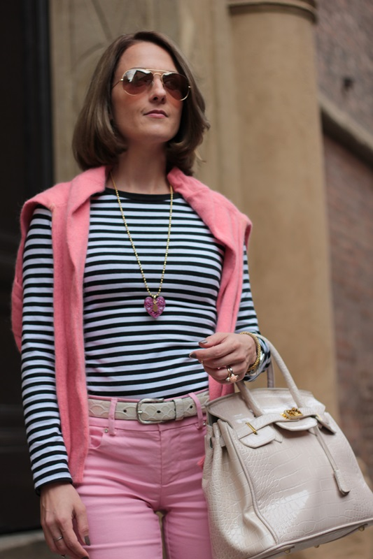 Margaret Dallospedale, Fashion blogger, Maggie Dallospedale Fashion diary, fashion tips, Lifestyle, Striped top and hot pink pants, 8