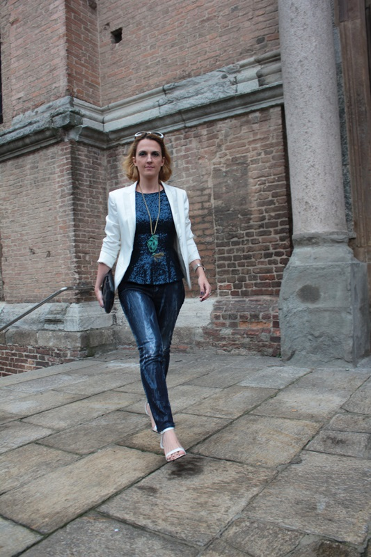 Margaret Dallospedale, Fashion blogger, Maggie Dallospedale Fashion diary, fashion tips, Lifestyle, sparkle top and jeans, 3
