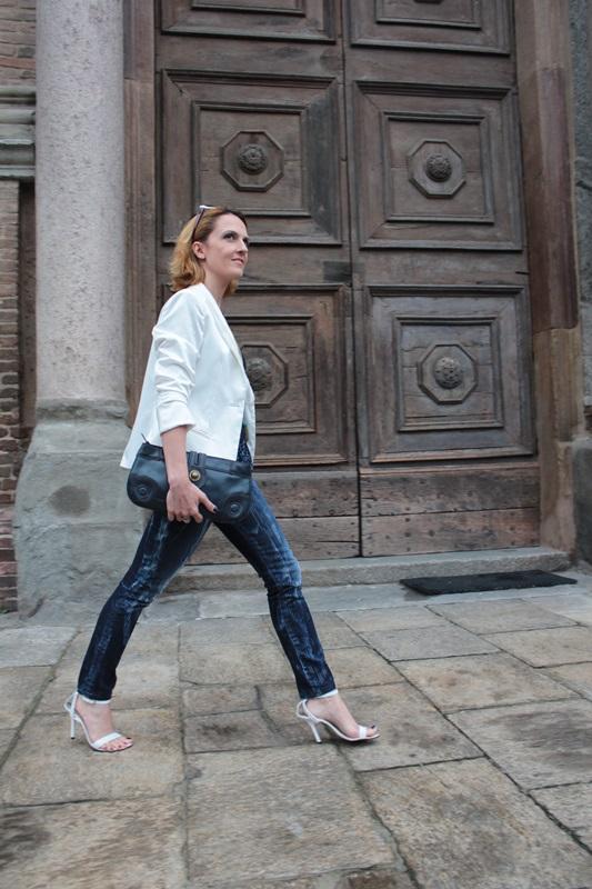Margaret Dallospedale, Fashion blogger, Maggie Dallospedale Fashion diary, fashion tips, Lifestyle, sparkle top and jeans, 4