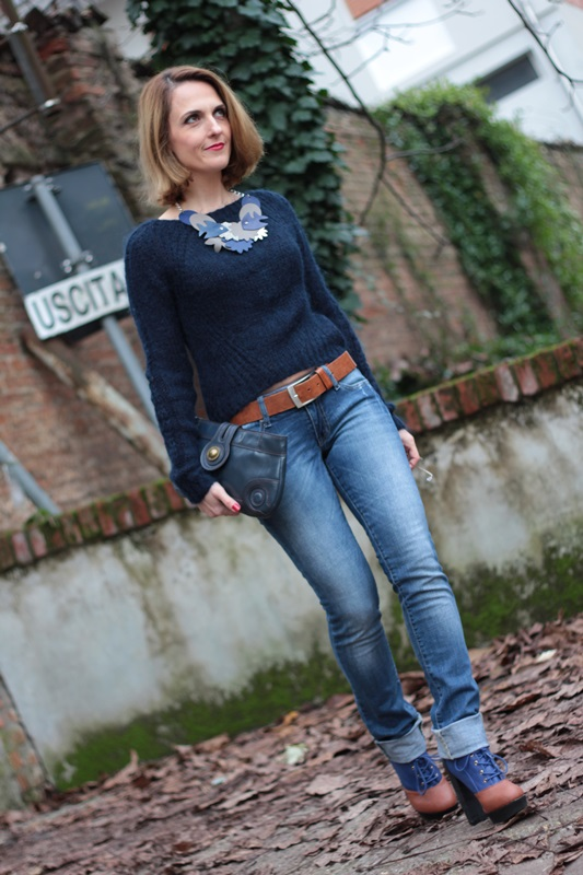 Margaret Dallospedale, Maggie Dallospedale fashion diary, Fashion blog, Fashion blogger,  fashion tips, how to wear, Outfits, OOTD, Fall outfit, Blue on Blue, 3