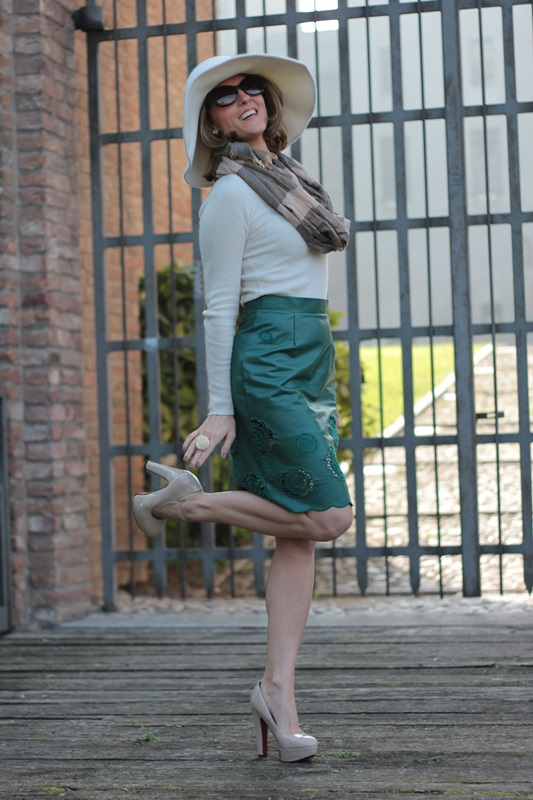 Green Leather Pencil Skirt Fashion Tip 76