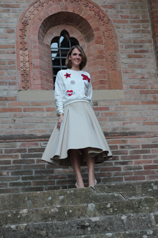 Margaret Dallospedale, Maggie Dallospedlae fashion diary, Fashion blog, Fashion blogger,  fashion tips, how to wear, Outfits, OOTD, Fall outfit, Autumn outfit, Midi skirt end sweat, 2