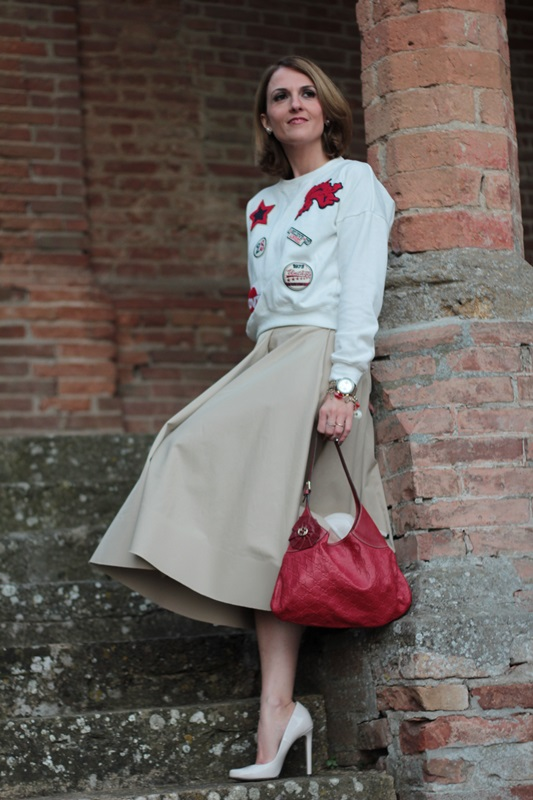 Margaret Dallospedale, Maggie Dallospedlae fashion diary, Fashion blog, Fashion blogger,  fashion tips, how to wear, Outfits, OOTD, Fall outfit, Autumn outfit, Midi skirt end sweat, 6