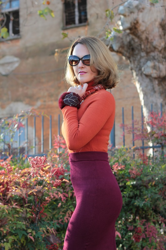 Margaret Dallospedale, Maggie Dallospedlae fashion diary, Fashion blog, Fashion blogger,  fashion tips, how to wear, Outfits, OOTD, Fall outfit, Burgundy and Tangerine outfit, 11