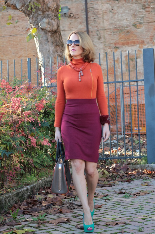 Margaret Dallospedale, Maggie Dallospedlae fashion diary, Fashion blog, Fashion blogger,  fashion tips, how to wear, Outfits, OOTD, Fall outfit, Burgundy and Tangerine outfit, 2