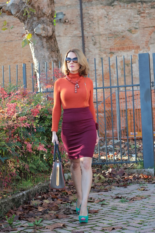Margaret Dallospedale, Maggie Dallospedlae fashion diary, Fashion blog, Fashion blogger,  fashion tips, how to wear, Outfits, OOTD, Fall outfit, Burgundy and Tangerine outfit, 7