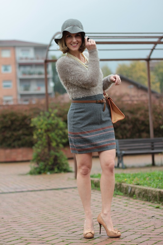 Margaret Dallospedale, Maggie Dallospedlae fashion diary, Fashion blog, Fashion blogger,  fashion tips, how to wear, Outfits, OOTD, Fall outfit, Gray outfit, 4
