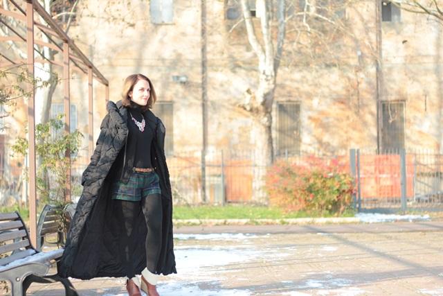 Fashion blogger, Fashion blog, Maggie Dallospedale fashion diary, fashion outfit, Moncler coat, 12