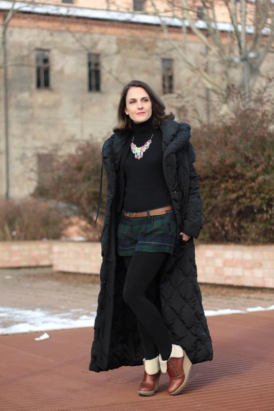 Fashion blogger, Fashion blog, Maggie Dallospedale fashion diary, fashion outfit, Moncler coat, 3