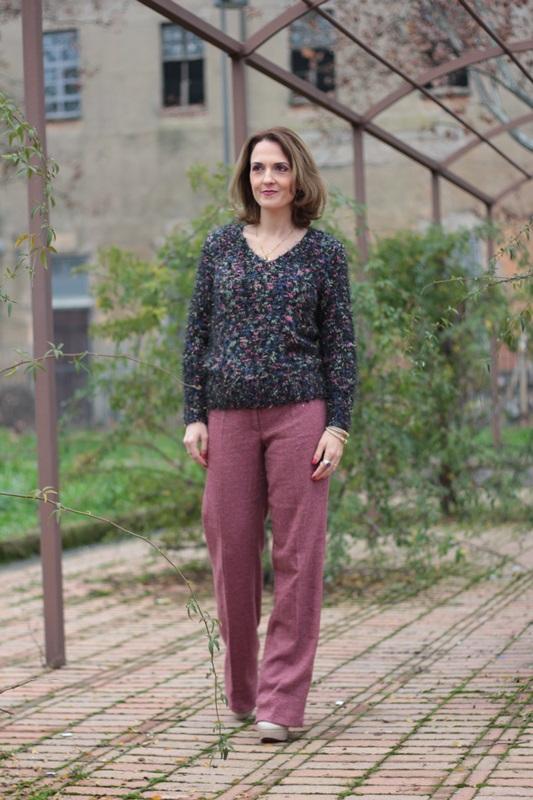 Fashion blogger, Fashion blog, Maggie Dallospedale fashion diary, fashion outfit, New sweater, 3