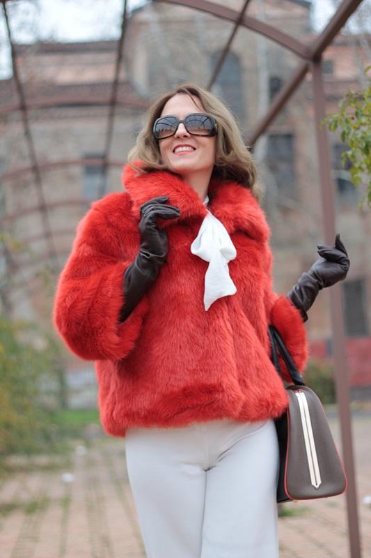 Fashion blogger, Fashion blog, Maggie Dallospedale fashion diary, fashion outfit, Total White, Blood Orange Faux Fur Coat, 1