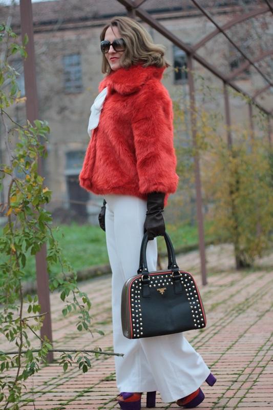 Fashion blogger, Fashion blog, Maggie Dallospedale fashion diary, fashion outfit, Total White, Blood Orange Faux Fur Coat, 3