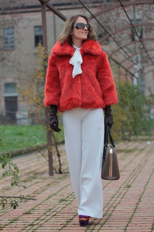 Fashion blogger, Fashion blog, Maggie Dallospedale fashion diary, fashion outfit, Total White, Blood Orange Faux Fur Coat, 5