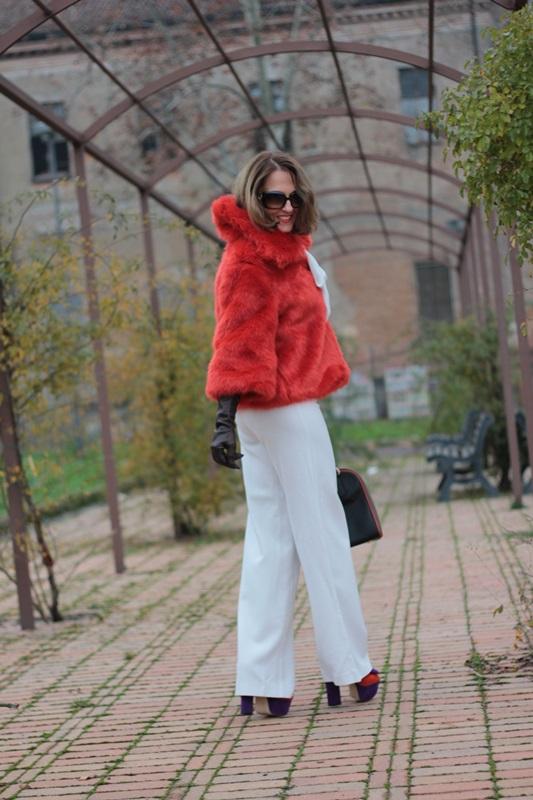 Fashion blogger, Fashion blog, Maggie Dallospedale fashion diary, fashion outfit, Total White, Blood Orange Faux Fur Coat, 6