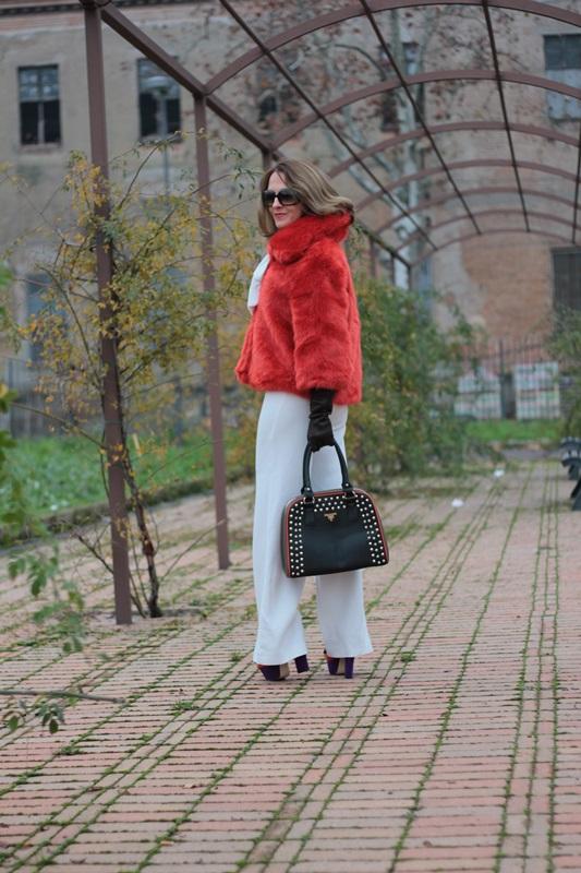 Fashion blogger, Fashion blog, Maggie Dallospedale fashion diary, fashion outfit, Total White, Blood Orange Faux Fur Coat, 7