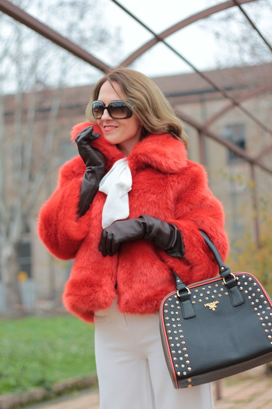 Fashion blogger, Fashion blog, Maggie Dallospedale fashion diary, fashion outfit, Total White, Blood Orange Faux Fur Coat, 8