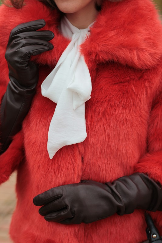 Fashion blogger, Fashion blog, Maggie Dallospedale fashion diary, fashion outfit, Total White, Blood Orange Faux Fur Coat, 9