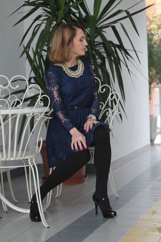 Margaret Dallospedale, Maggie Dallospedale fashion diary, Fashion blog, Fashion blogger,  fashion tips, how to wear, Outfits, OOTD, Fall outfit, Lace blue and black, 6