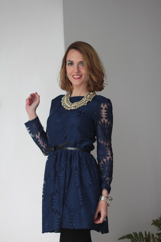 Margaret Dallospedale, Maggie Dallospedale fashion diary, Fashion blog, Fashion blogger,  fashion tips, how to wear, Outfits, OOTD, Fall outfit, Lace blue and black, 7