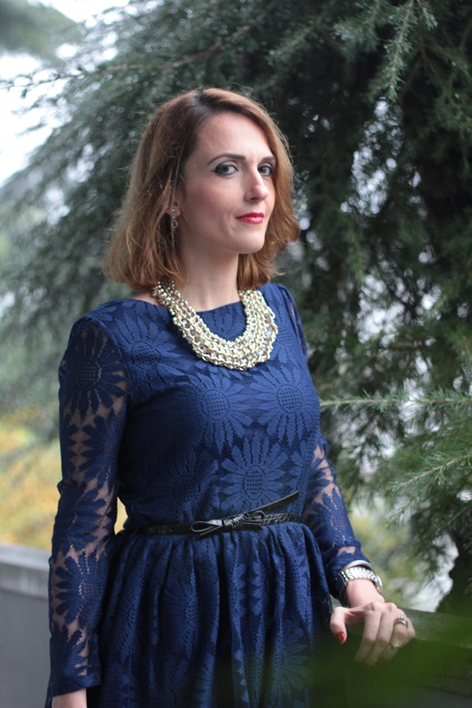 Margaret Dallospedale, Maggie Dallospedale fashion diary, Fashion blog, Fashion blogger,  fashion tips, how to wear, Outfits, OOTD, Fall outfit, Lace blue and black, 8