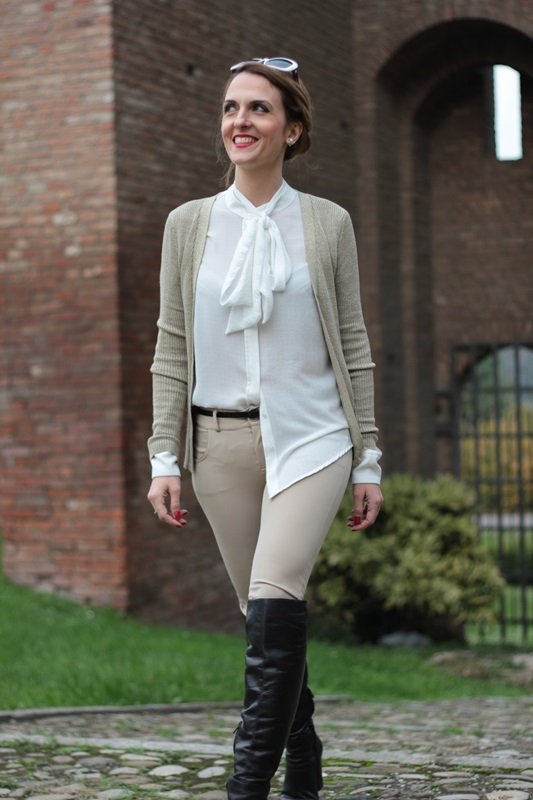 Margaret Dallospedale, Maggie Dallospedale fashion diary, Fashion blog, Fashion blogger,  fashion tips, how to wear, Outfits, OOTD, Fall outfit, Pants beige and white shirt, 10