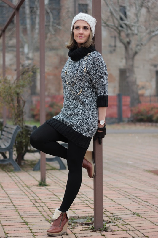 Fashion blogger, Fashion blog, Maggie Dallospedale fashion diary, fashion outfit, Knitted Dress, 0