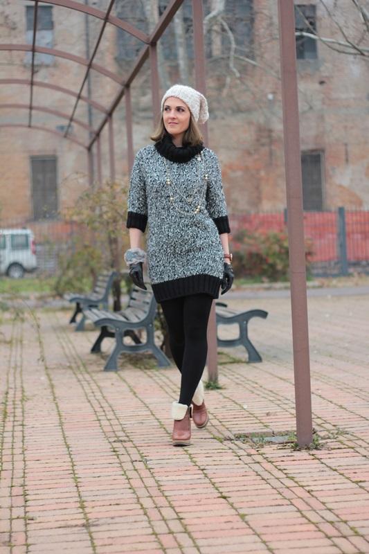 Fashion blogger, Fashion blog, Maggie Dallospedale fashion diary, fashion outfit, Knitted Dress, 1