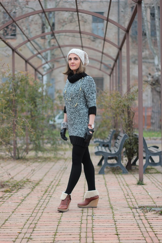 Fashion blogger, Fashion blog, Maggie Dallospedale fashion diary, fashion outfit, Knitted Dress, 5