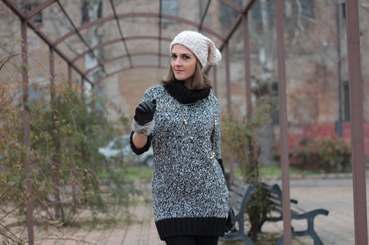 Fashion blogger, Fashion blog, Maggie Dallospedale fashion diary, fashion outfit, Knitted Dress, 9