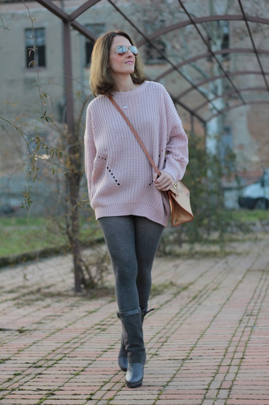 Fashion blogger, Fashion blog, Maggie Dallospedale fashion diary, fashion outfit, Oversize sweater, 0