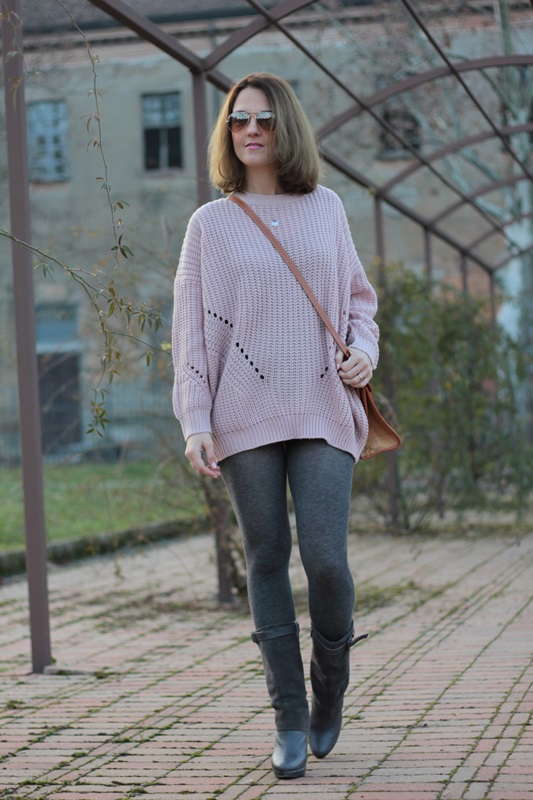 Fashion blogger, Fashion blog, Maggie Dallospedale fashion diary, fashion outfit, Oversize sweater, 1
