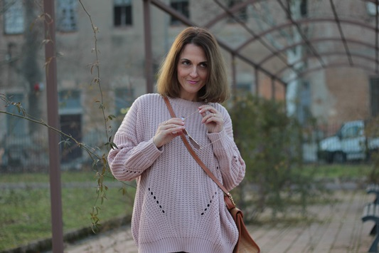 Fashion blogger, Fashion blog, Maggie Dallospedale fashion diary, fashion outfit, Oversize sweater, 11