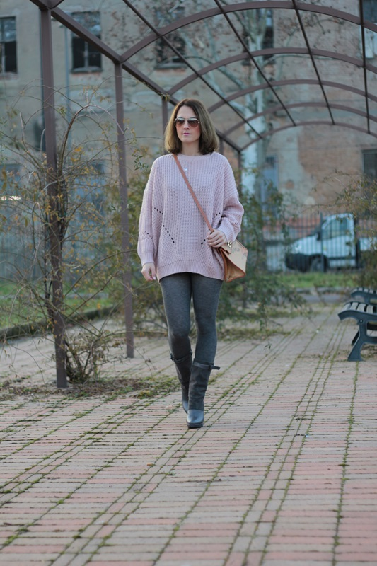 Fashion blogger, Fashion blog, Maggie Dallospedale fashion diary, fashion outfit, Oversize sweater, 2