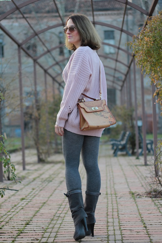 Fashion blogger, Fashion blog, Maggie Dallospedale fashion diary, fashion outfit, Oversize sweater, 4