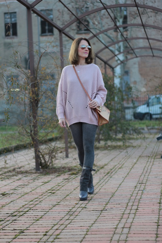 Fashion blogger, Fashion blog, Maggie Dallospedale fashion diary, fashion outfit, Oversize sweater, 5