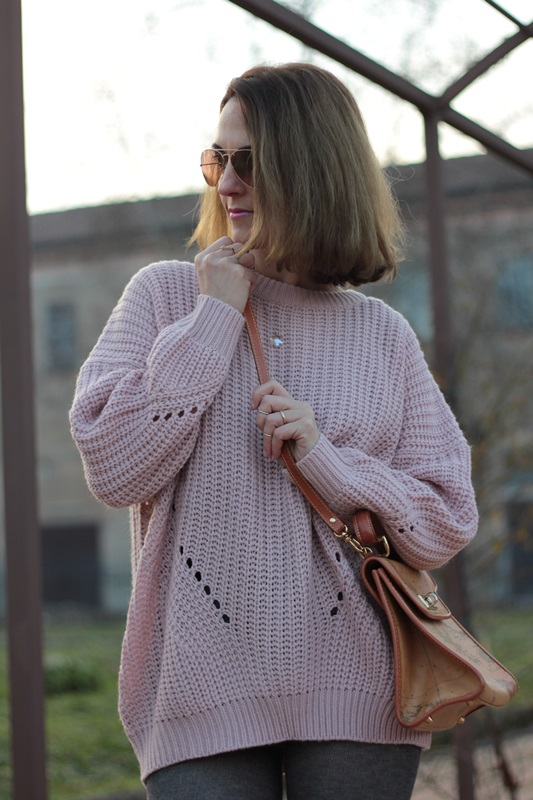 Fashion blogger, Fashion blog, Maggie Dallospedale fashion diary, fashion outfit, Oversize sweater, 9