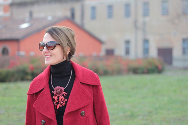 Fashion blogger, Fashion blog, Maggie Dallospedale fashion diary, fashion outfit, Red coat, 12