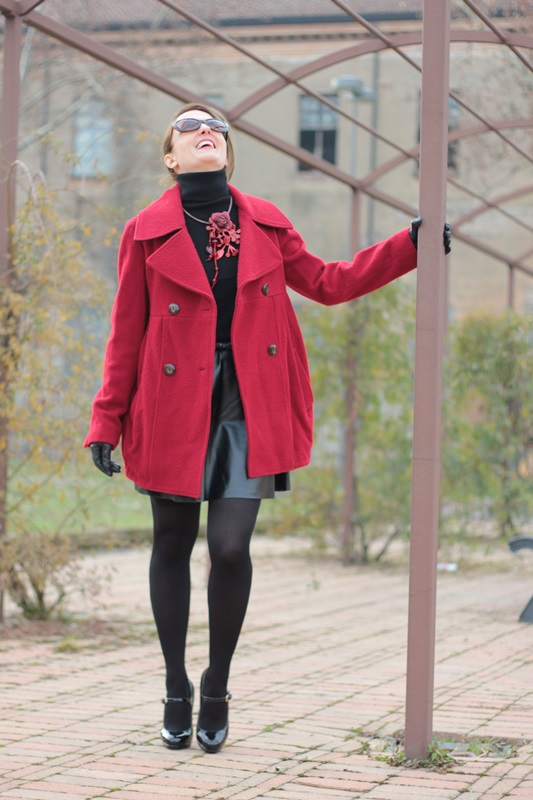 Fashion blogger, Fashion blog, Maggie Dallospedale fashion diary, fashion outfit, Red coat, 4