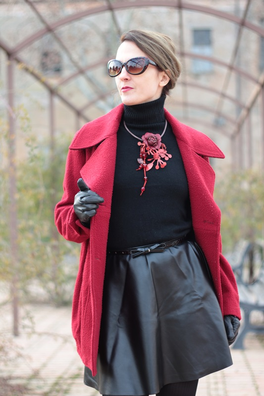 Fashion blogger, Fashion blog, Maggie Dallospedale fashion diary, fashion outfit, Red coat, 5
