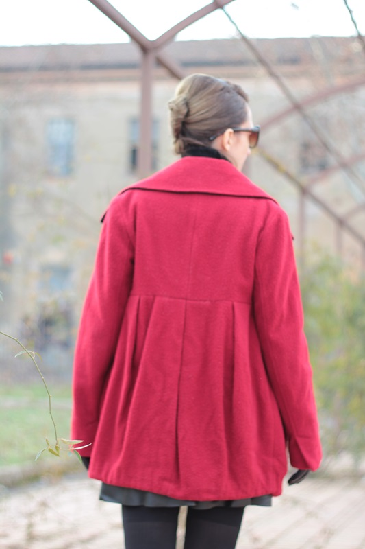 Fashion blogger, Fashion blog, Maggie Dallospedale fashion diary, fashion outfit, Red coat, 8