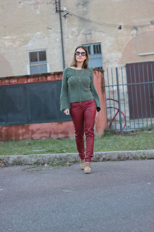 Fashion blogger, Fashion blog, Maggie Dallospedale fashion diary, fashion outfit, Cypress green outfit, 3