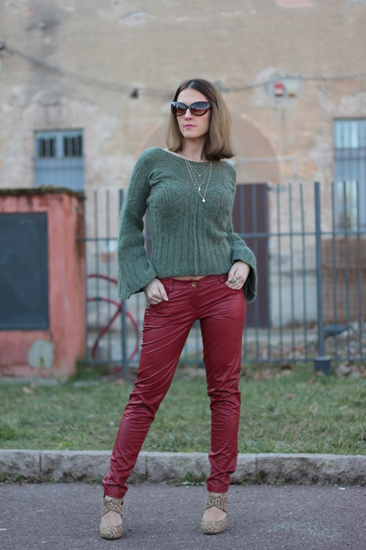 Fashion blogger, Fashion blog, Maggie Dallospedale fashion diary, fashion outfit, Cypress green outfit, 4