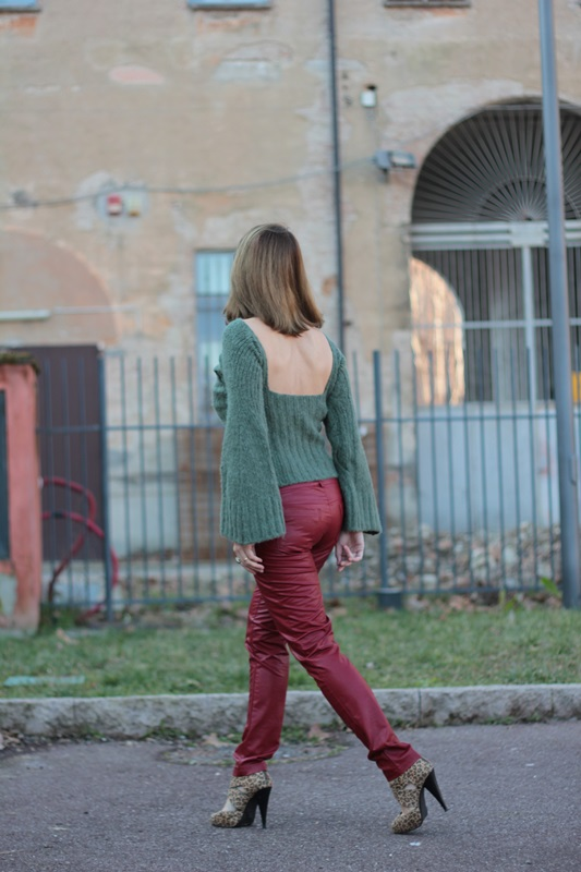 Fashion blogger, Fashion blog, Maggie Dallospedale fashion diary, fashion outfit, Cypress green outfit, 6
