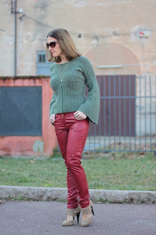 Fashion blogger, Fashion blog, Maggie Dallospedale fashion diary, fashion outfit, Cypress green outfit, 7