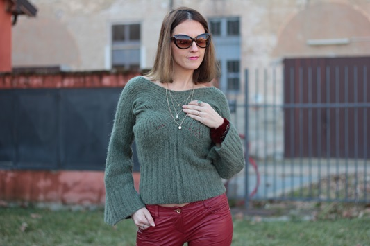 Fashion blogger, Fashion blog, Maggie Dallospedale fashion diary, fashion outfit, Cypress green outfit, 8