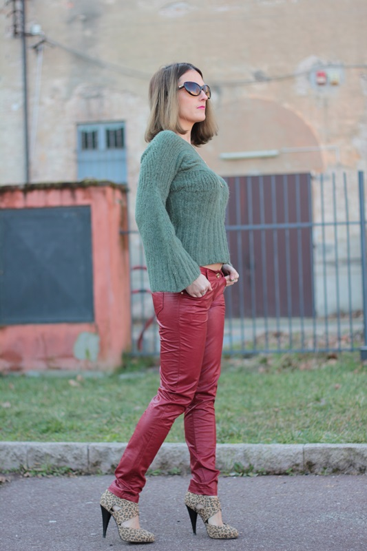 Fashion blogger, Fashion blog, Maggie Dallospedale fashion diary, fashion outfit, Cypress green outfit,5
