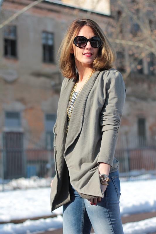 Fashion blogger, Fashion blog, Maggie Dallospedale fashion diary, fashion outfit, Fashion Blogger question, Army Chic Blazer, 12